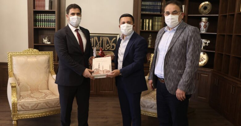 TURŞUCU'DAN BELEDİYE BAŞKANI ARI'YA ZİYARET