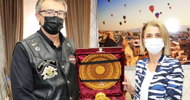 Eski Devlet Bakanı Kürşat Tüzmen Vali İnci Sezer Becel'i Ziyaret Etti