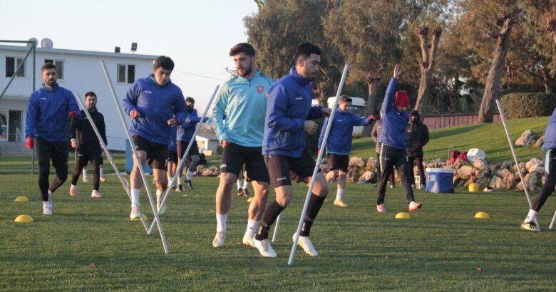 Ürgüpspor voleybol takımı adım adım hedefe yürüyor