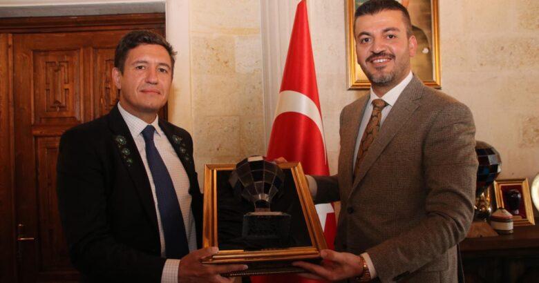 Bulgaristan'ın Ankara Büyükelçisi'nden Başkan Aktürk'e ziyaret